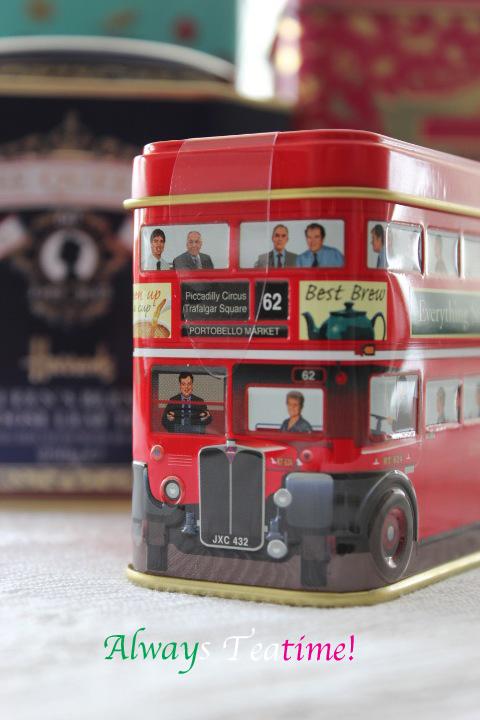 ロンドンバスの茶缶サイン入