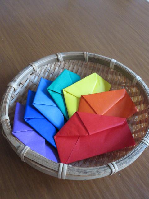 虹色の色紙