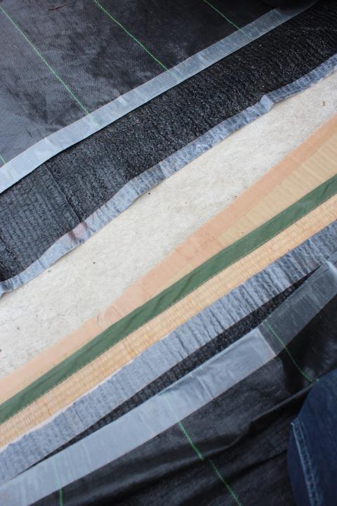 ビニールハウスの床