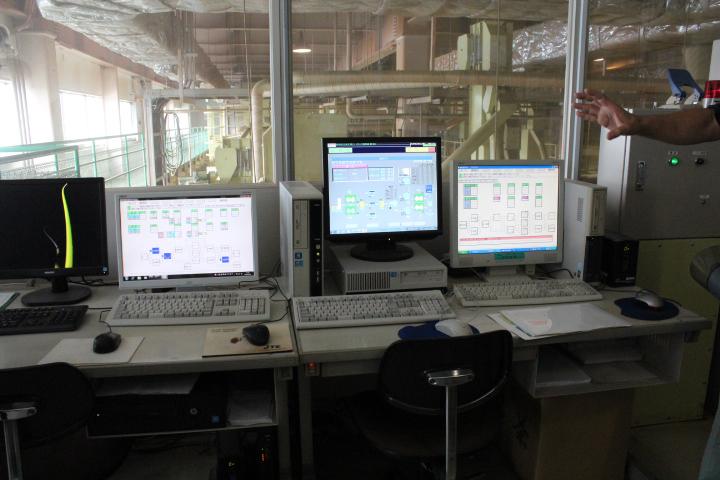 オートメーション化された製茶工場jpg