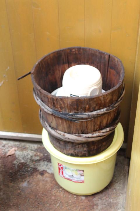 嫌気発酵する2つの樽