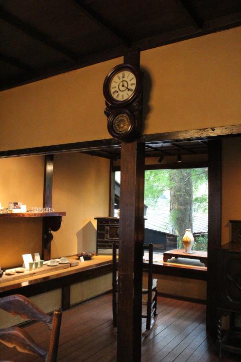 糸屋店内壁掛け時計