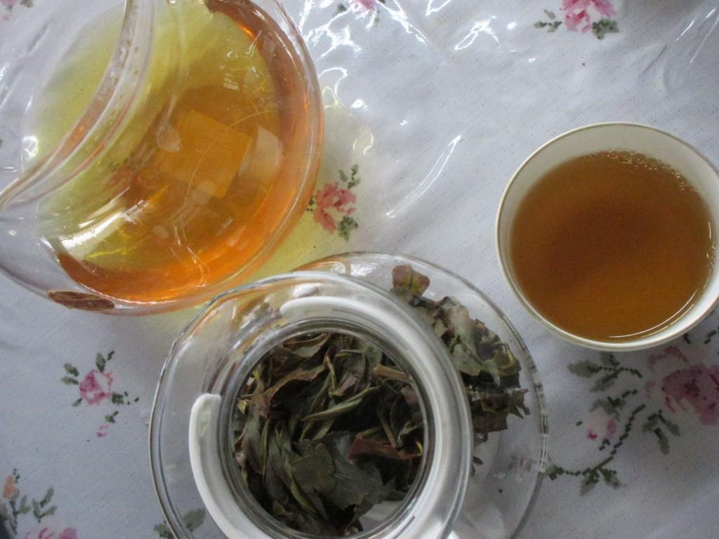 できたての紅富士の烏龍茶