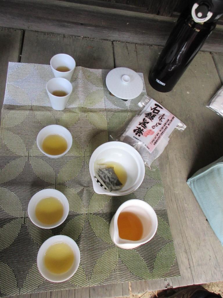 旧曽我部邸で石鎚黒茶