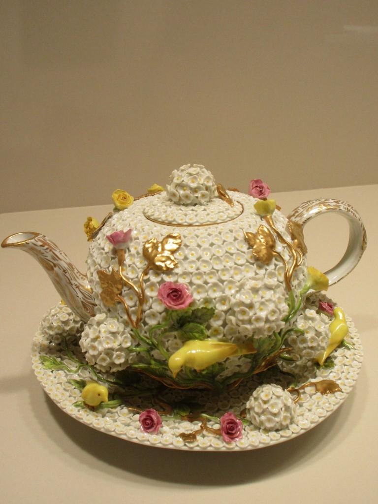 スノーボール貼花装飾ティーポット&トレイ