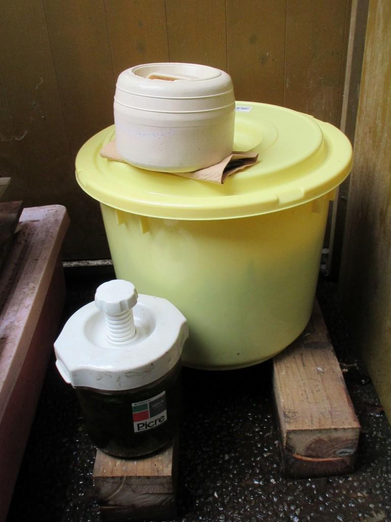 嫌気発酵の樽
