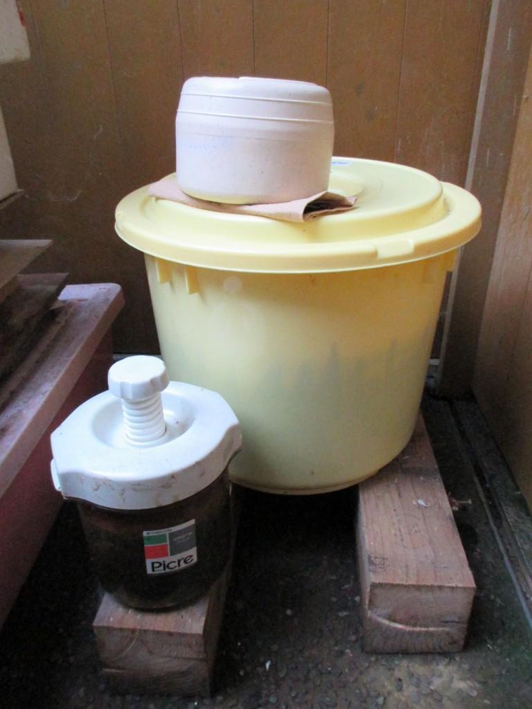 嫌気発酵後の樽